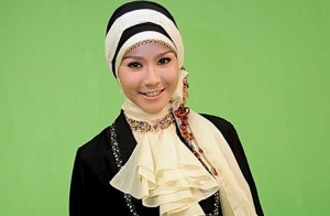 Cara Kreasi Jilbab Segiempat