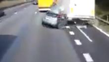 kecelakaan mobil fatal di bahu jalan