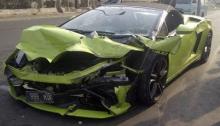 Mobil lamborghini hancur milik hotman paris